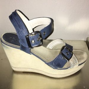 Black stone platform navy suede shoes